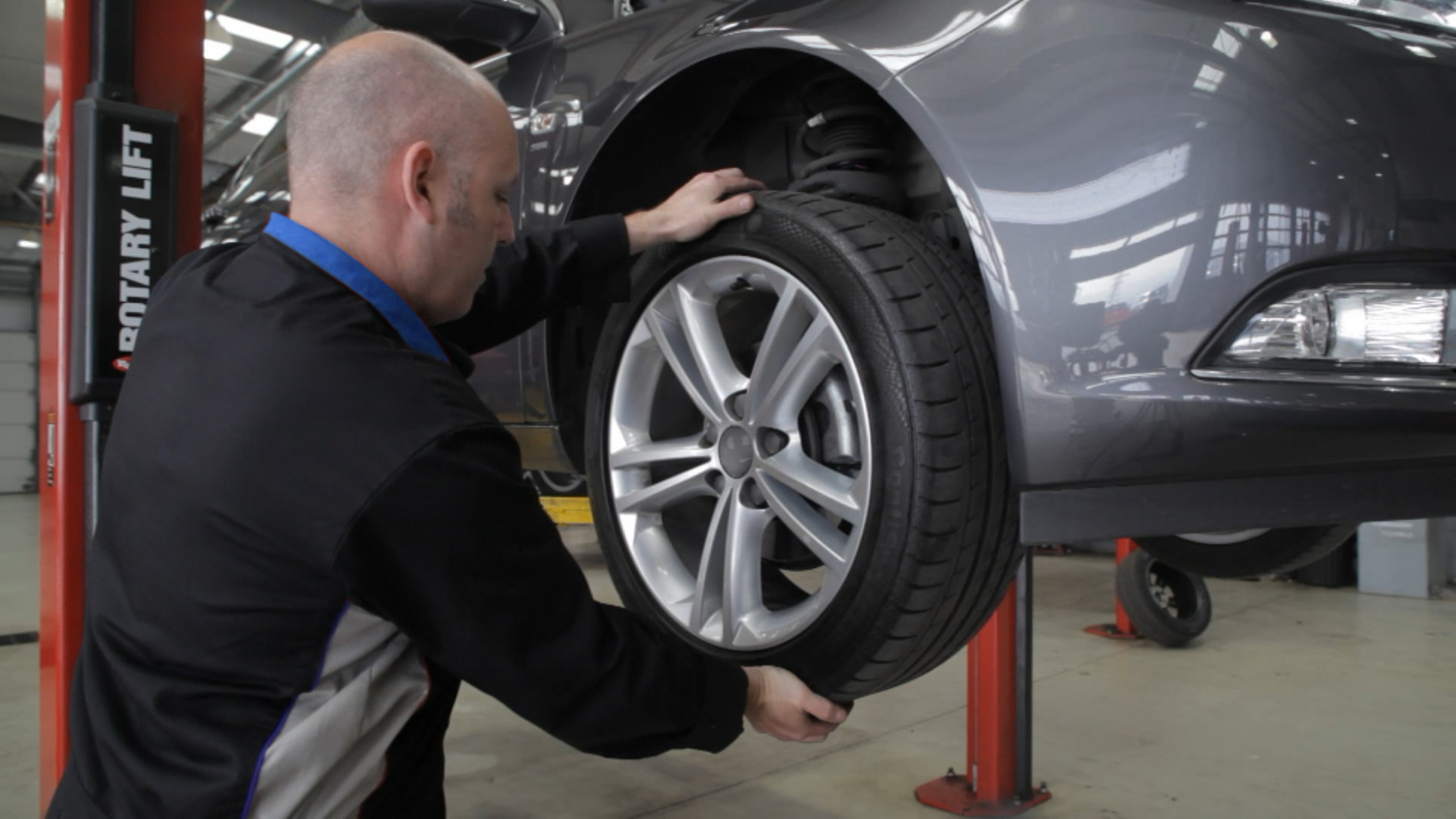 Top 5 MOT Failures (And How to Avoid Them)