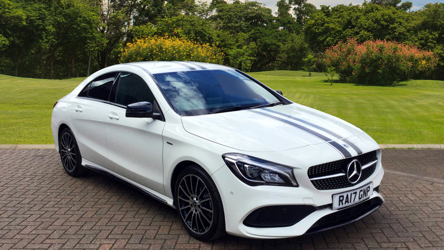 Used mercedes benz cla cla 180 whiteart 4dr petrol saloon for Mercedes benz financial phone number
